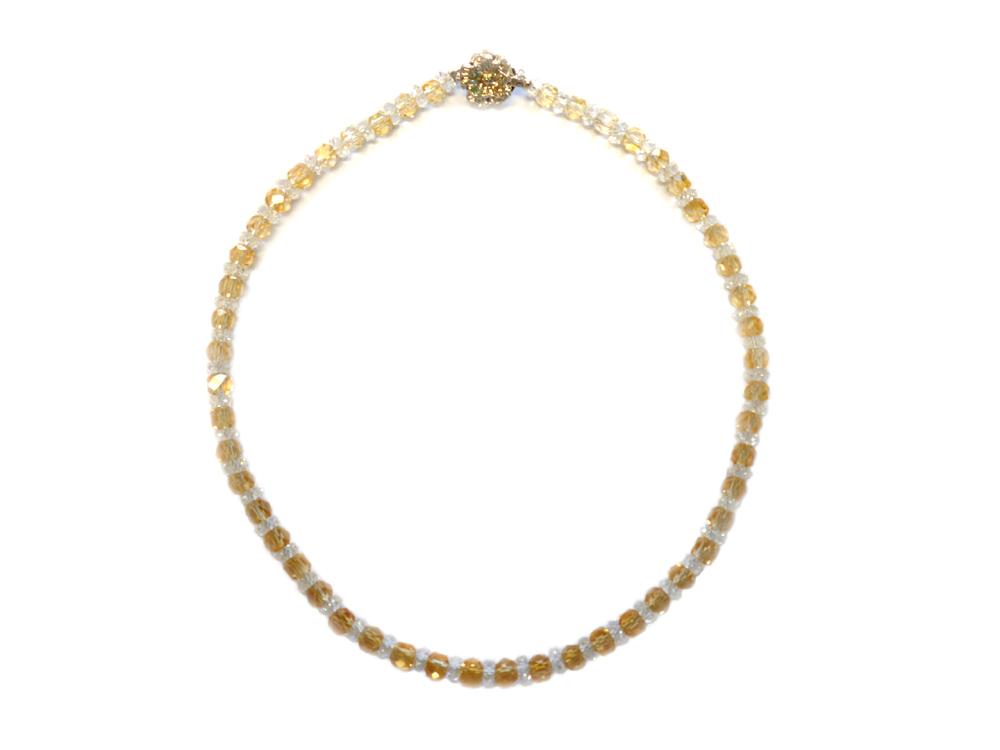黄水晶のネックレスです。
